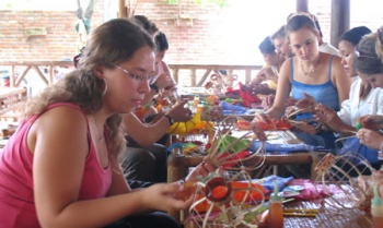 LANTERN CRAFTING AND HOI AN