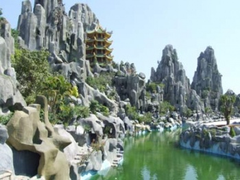 MARBLE MOUNTAIN & LINH UNG PAGODA