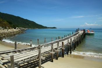CHAM ISLAND - FISHING AND DISCOVERING ISLAND