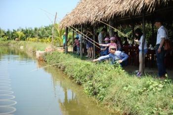 FARMING AND FISHING TOUR